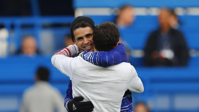 Manchester United's Juan Mata and Chelsea's Oscar before the match