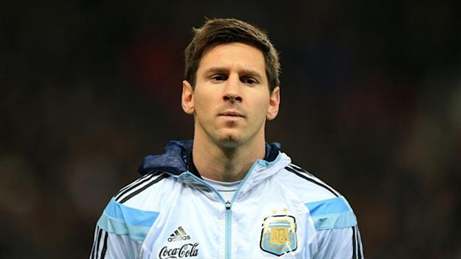 Football - Argentina cruise to friendly win