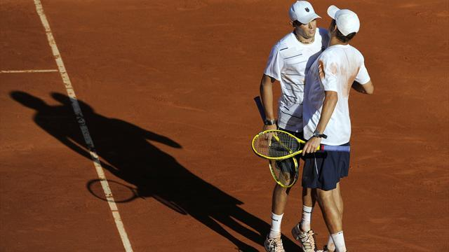 Davis Cup - Bryan brothers keep US alive against Spain