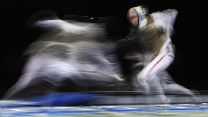 Fencing - French and American fencers prominent in junior finals