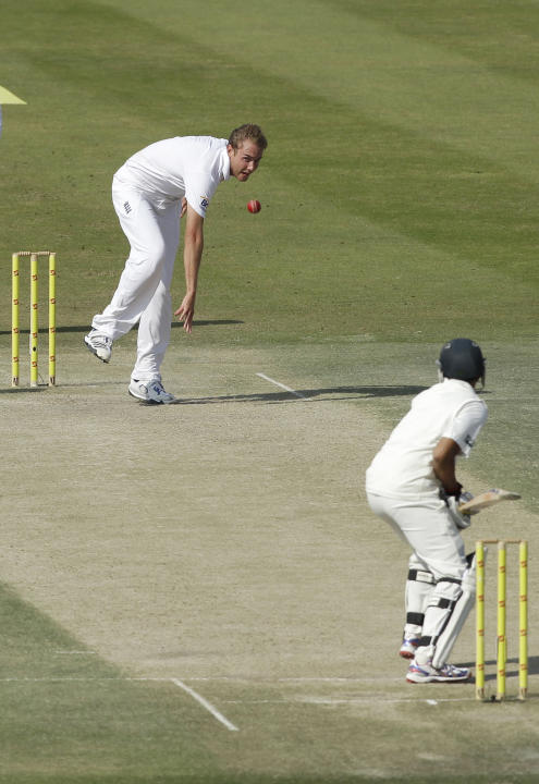 England's bowler Stuart Broad bowls a delivery to Pakistan's Azhar Ali, right, during the third day of the second cricket test match of a three match series between England and Pakistan at  Zayed Cric