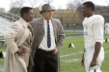 Darrin DeWitt Henson , Dennis Quaid and Rob Brown in Universal Pictures' The Express