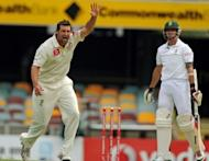 Australian bowler Ben Hilfenhaus (L) makes an unsuccessful appeal for the dismissal of South African batsman Dale Steyn (R) on day three of the first Test