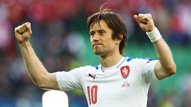 Rosicky returns to Sparta Prague