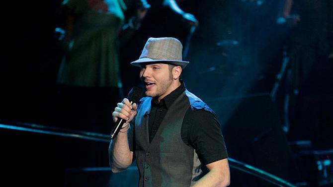 Chris Richardson performs as one of the top 9 contestants on the 6th season of American Idol.