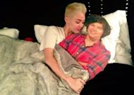 Photo : Miley Cyrus au lit avec Harry Styles