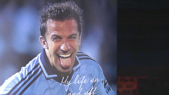 """Sydney FC captain Alessandro Del Piero of Italy answers questions during the launch of his autobiography """"Playing on"""" in Sydney, Australia, Thursday, Nov. 21, 2013"""