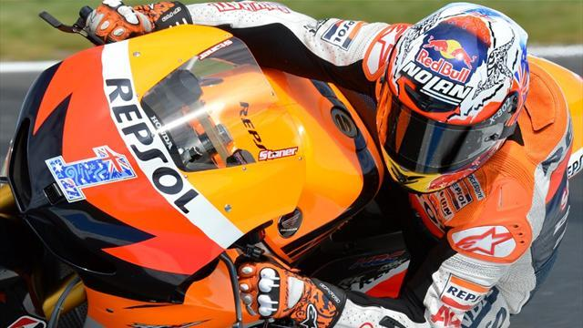 Motorcycling - Pedrosa wins, Lorenzo crashes, Stoner ends with podium