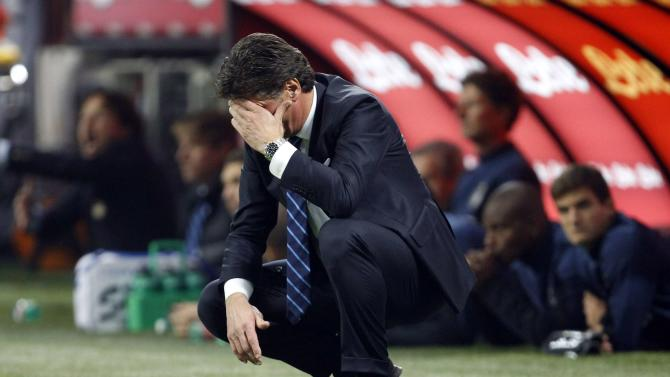 Inter Milan's coach Mazzarri reacts during their Italian Serie A soccer match against AS Roma in Milan