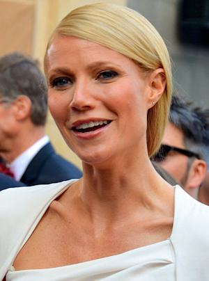 Gwyneth Paltrow Dresses Up as Dining Room Wallpaper for 'Iron Man 3' Movie Premiere