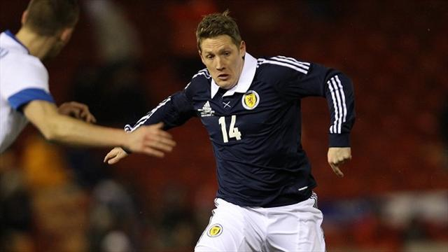 Scottish Football - Commons retires from Scotland duty