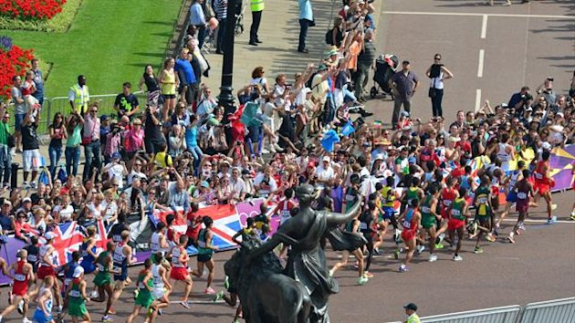 Runners at the 2012 London Marathon