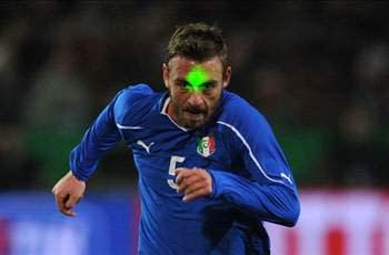 De Rossi hits back at critics over Roma form
