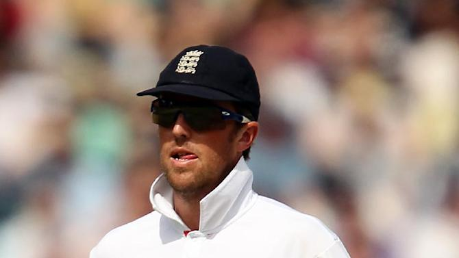 Graeme Swann finished with five for 144 as India declared on 521 for eight