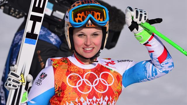 Alpine Skiing - GS victory boosts Fenninger's overall title hopes