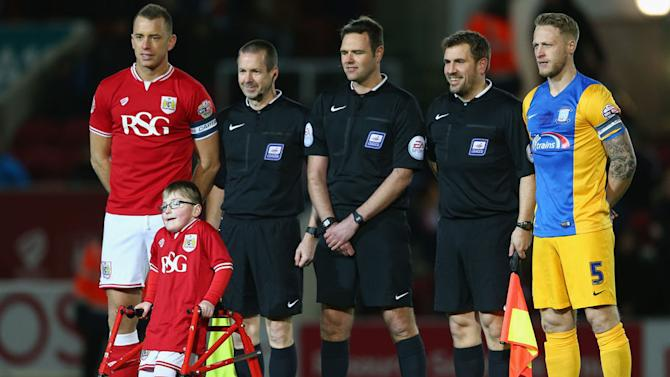 Young Bristol City Fan Able to Walk Out at Ashton Gate Following Life Changing Surgery