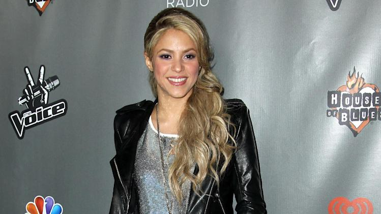 "Shakira arrives at ""The Voice"" season 4 red carpet event at the House of Blues on Wednesday, May 8, 2013 in Los Angeles. (Photo by Matt Sayles/Invision/AP)"