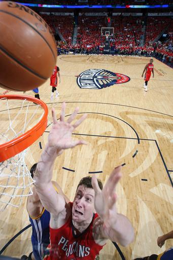 AP source: Pelicans, Asik agree on 5-year contract