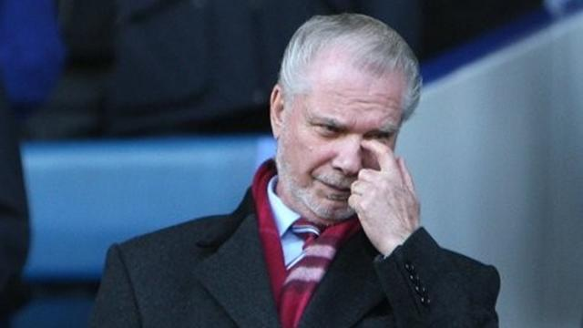 Premier League - West Ham's Gold suffering from pneumonia