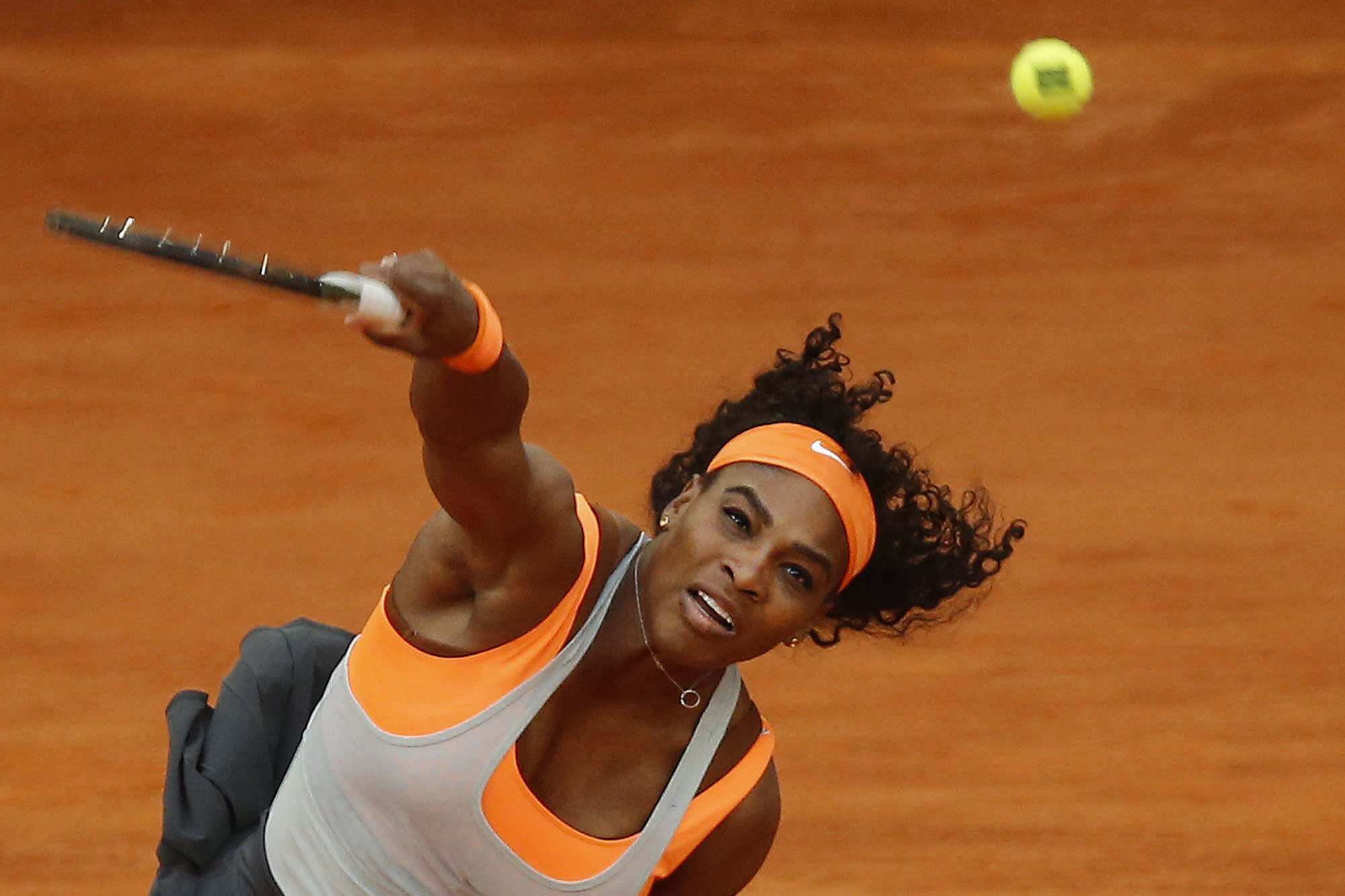 Williams beats Stephens, advances to Madrid Open 3rd round