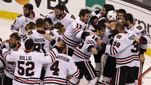 Ice Hockey - Blackhawks toast of Windy City after shocking Bruins