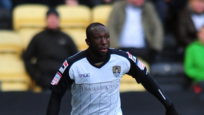 Damion Stewart has agreed a short-term contract with Notts County