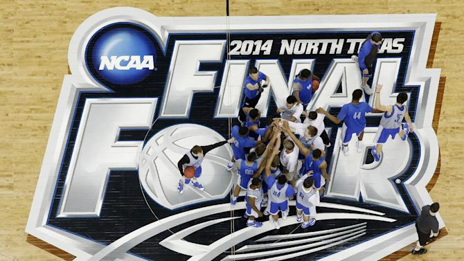 Contrasting Kentucky, Wisconsin meet at Final Four