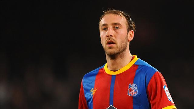 Championship - Goal machine Murray signs new deal at Crystal Palace