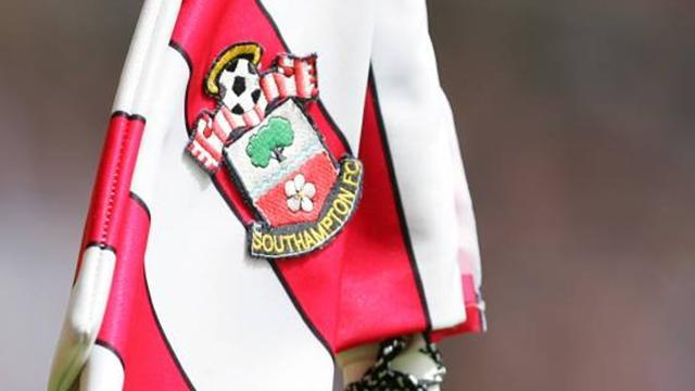 Premier League - Turnbull signs new Southampton deal