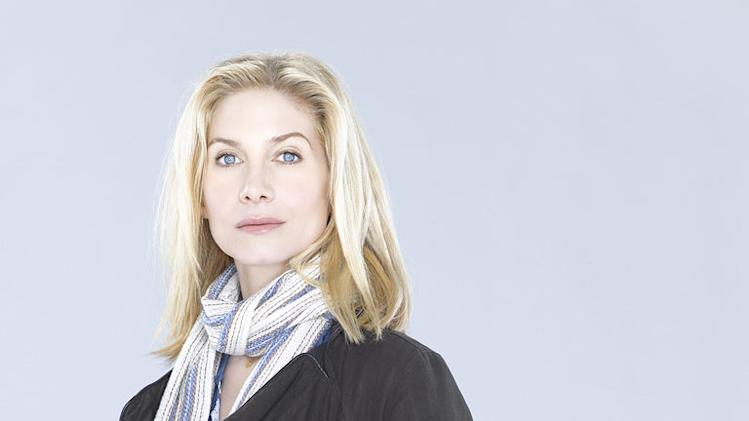 "Elizabeth Mitchell in the ABC series ""V"""