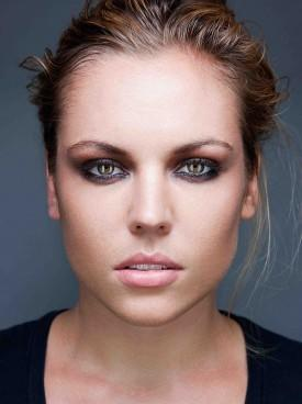 Agnes Bruckner To Co-Star In A&E Pilot 'Occult'