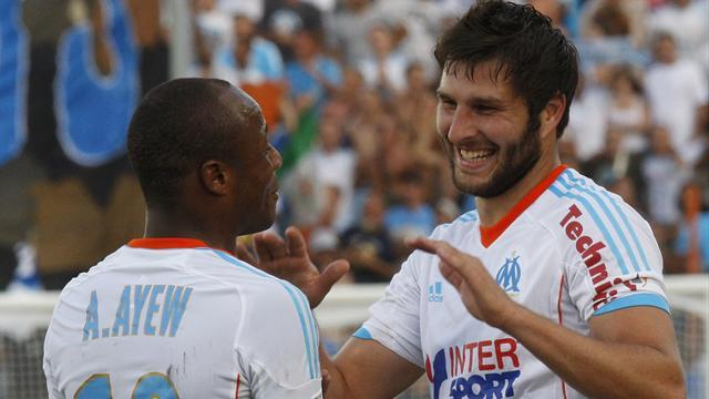 Ligue 1 - Ayew brothers help Marseille close on PSG