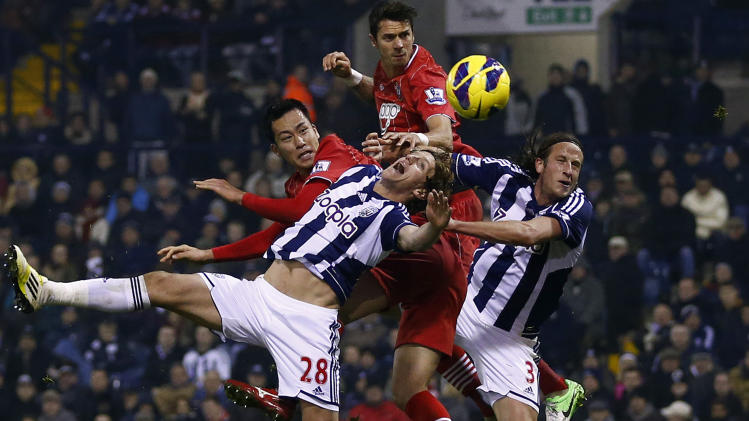 Southampton's Yoshida and Fonte challenge West Bromwich Albion's Jones and Ollsson during their English Premier League soccer match in West Bromwich