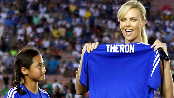 Theron Charlize Chelsea Milan Gm