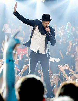 "Justin Timberlake's Letter To Fans Post-VMAs Performance: ""This Is Too Much!"""