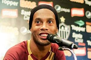 Ronaldinho expects Paris Saint-Germain to challenge for silverware