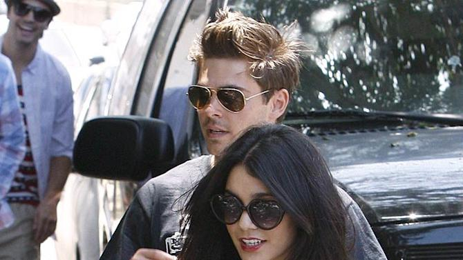 Efron Hudgens Fourth Of July