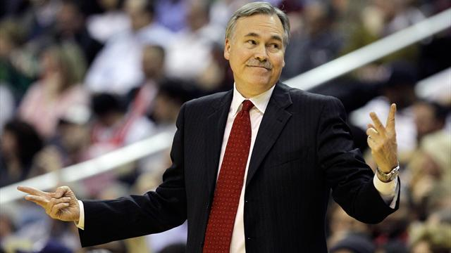 Basketball - Lakers choose D'Antoni over Jackson as new coach