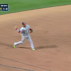 Plawecki reaches on error in 6th