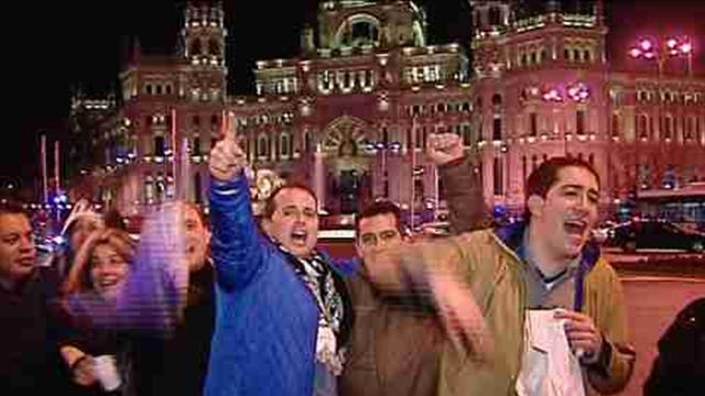 Real Madrid fans celebrate win over Barcelona