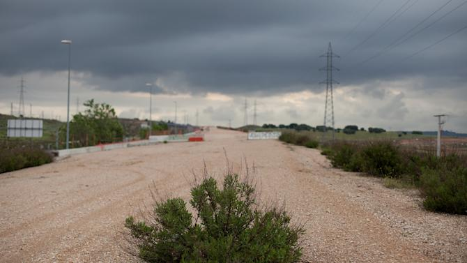 Spain's 70 Million Euro Ghost Highway Remains Abandoned In Madrid