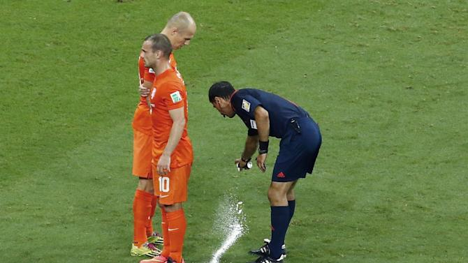 World Cup - 'Set-piece spray' inventor not interested in commercial gain