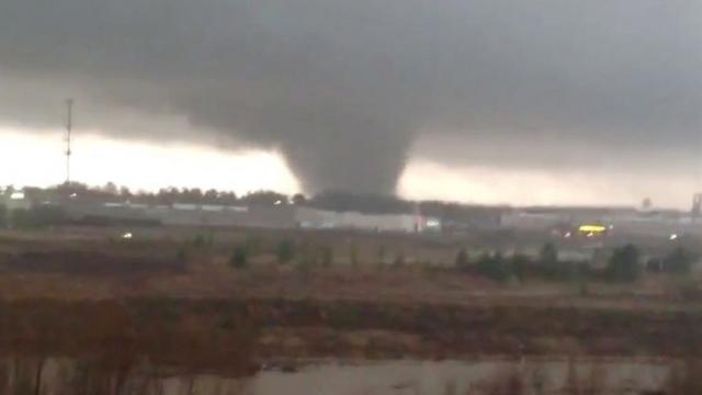 Amateur video captures Miss. tornado