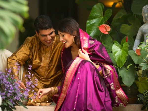 5 Ways to Rock as a Couple This Diwali