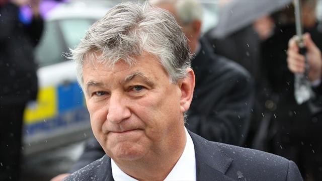 Scottish Premiership - Lawwell defends Celtic wage policy