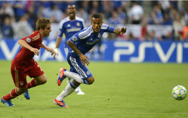 Bayern Munich's German Defender Philipp Lahm (L) And Chelsea's British Defender Ryan Bertrand   Vie For The Ball AFP/Getty Images