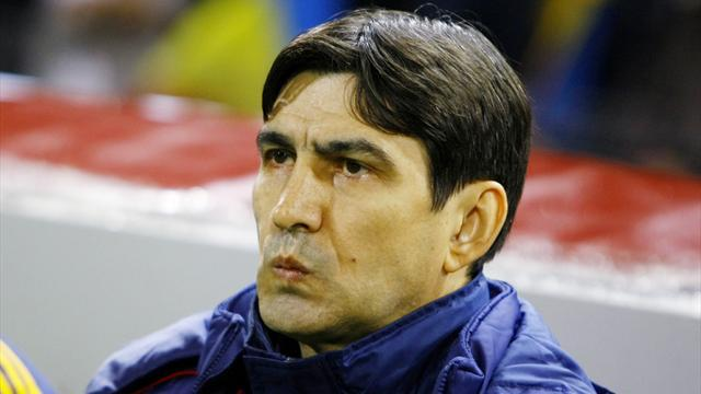 Football - Romania face extraordinary task against Greece