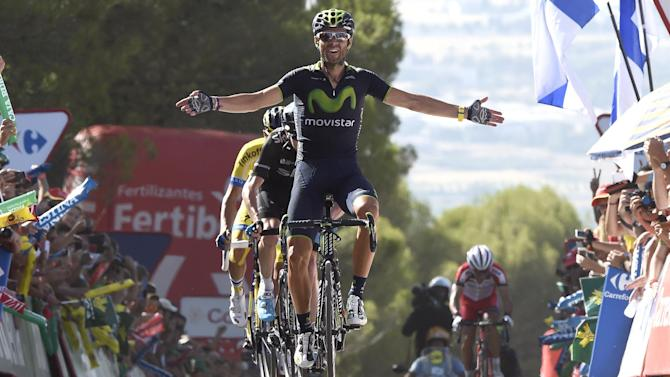 Vuelta a España - Valverde wins first summit meeting to take red jersey