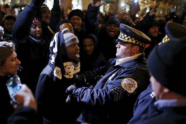Protestors demonstrate in Chicago in response to fatal shooting of Laquan McDonald