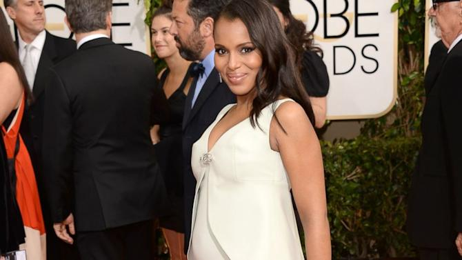Pregnant Kerry Washington Debuts Her Baby Bump